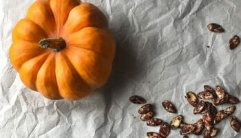 Chai spiced Pumpkin Seeds   Food photography and vegan baking recipe by Jennifer   Miss Walter's   www.misswalters.com