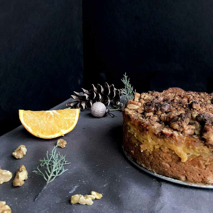 Walnut Streusel Cake with Marmalade | Food photography and vegan baking recipe by Jennifer | Miss Walter's | www.misswalters.com