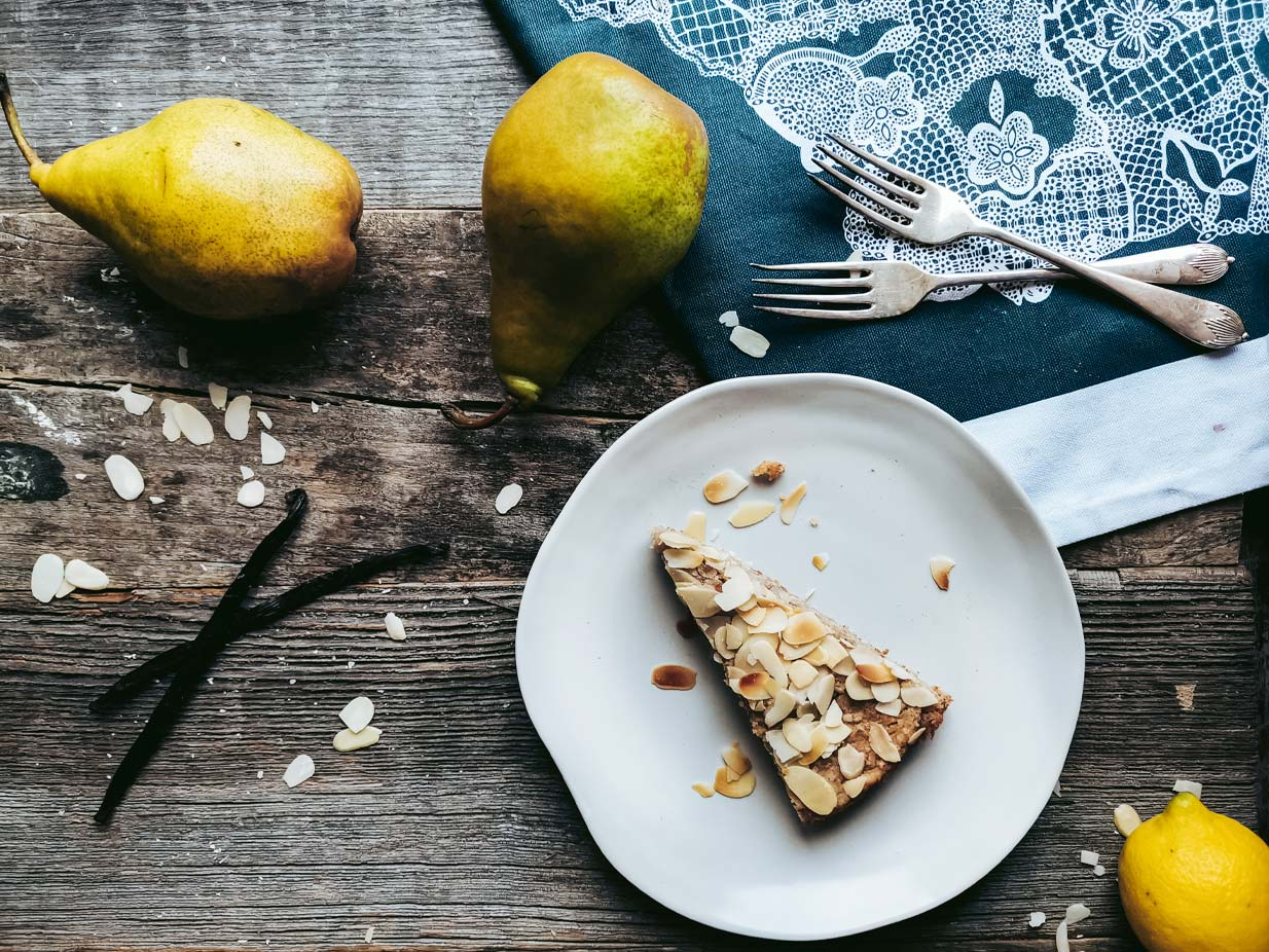 A simple vegan Almond Pear Tart recipe that tastes lovely with your cup of coffee. | Almond Pear Tart | Food photography and vegan baking recipe by Jennifer | Miss Walter's | www.misswalters.com