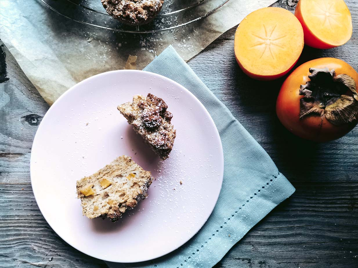 A lovely vegan Persimmon Kaki Muffin recipe perfect for everyday | Food photography and vegan baking recipe by Jennifer | Miss Walter's | www.misswalters.com