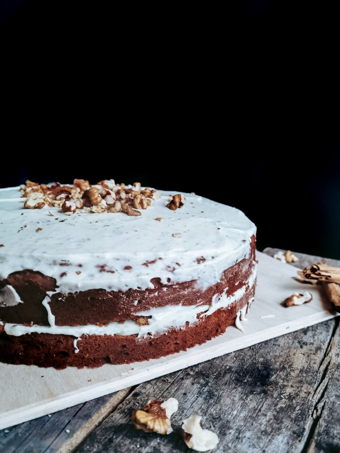 This vegan Naked Carrot Cake is a must-have for your recipe collection. Glutenfree, made from buckwheat and chickpea flour, lush carrots and a delicious vegan cream cheese frosting made without coconut or cashews.