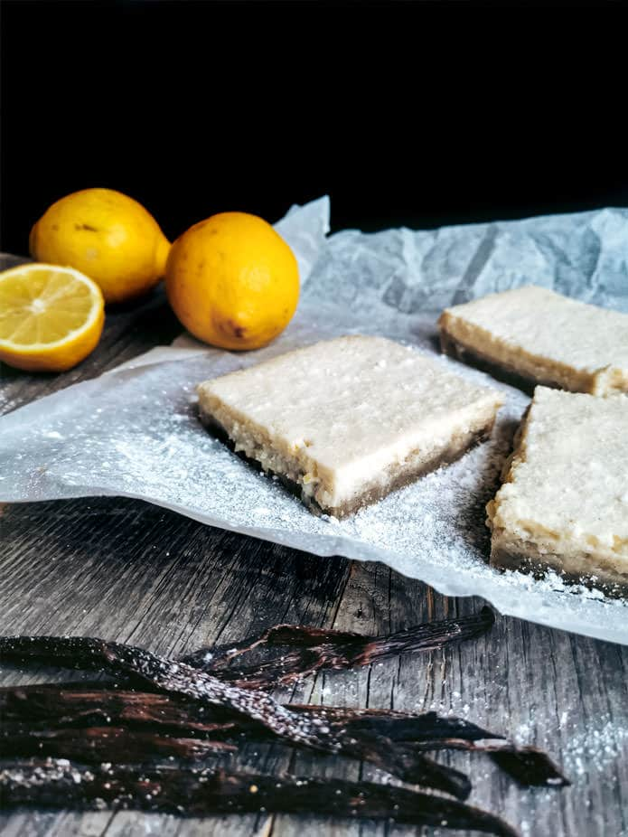 These vegan and gluten-free Lemon Bars are a perfect seasonal bake. A crumbly glutenfree shortcrust pastry topped with a lemon cream made from silken tofu. Fresh and organic lemons add the right amount of tanginess.